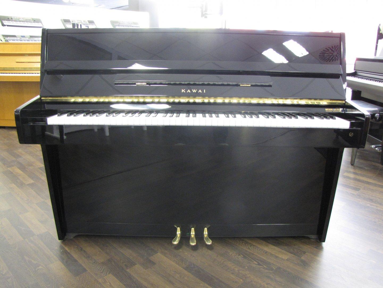 Kawai CE-7 von 1981 in Schwarz glänzend