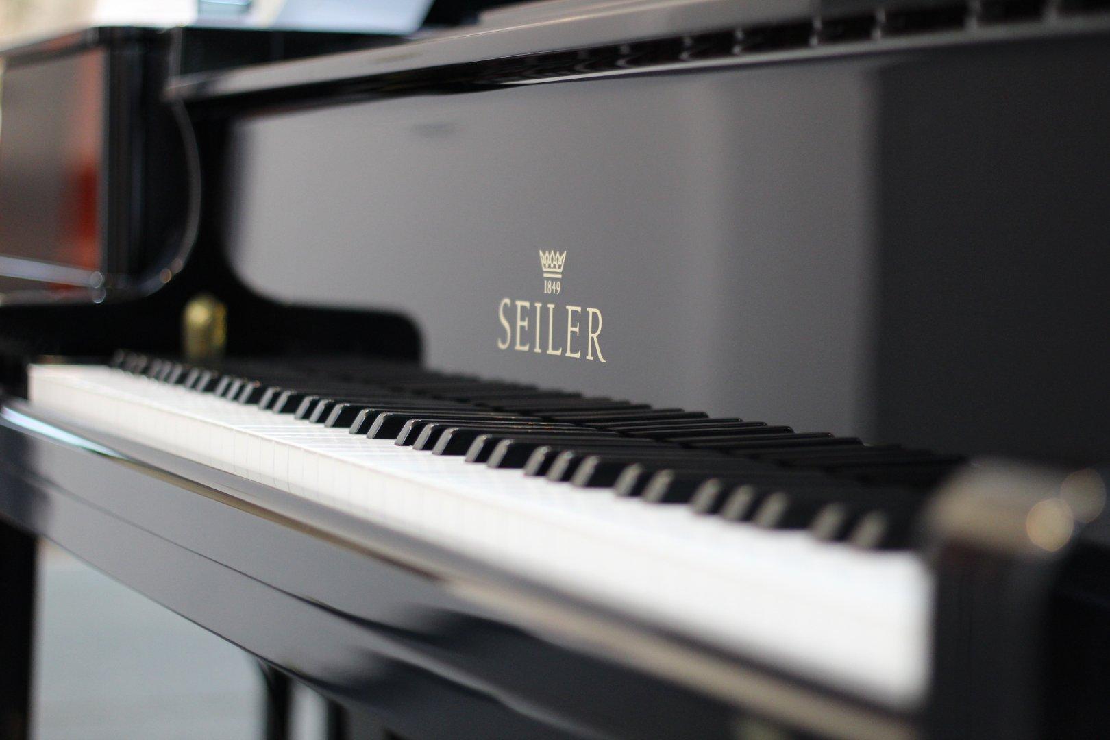 Seiler 186 Maestro Bj.2008 von 2008 in Schwarz glänzend